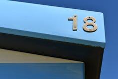 παλαιό ανοικτό πρότυπο αριθμού 18 πορτών ξύλινο Στοκ Φωτογραφία