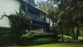 Παλαιό αποκατεστημένο σπίτι hacienda μέσα στο πάρκο Guapulo Στοκ φωτογραφία με δικαίωμα ελεύθερης χρήσης