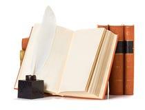 Παλαιό βιβλίο με τη μάνδρα καλαμιών Στοκ Φωτογραφία