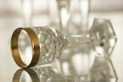 Παλαιό γυαλί κρυστάλλου με τη χρυσή ζωή 3 ντεκόρ ακόμα Στοκ φωτογραφία με δικαίωμα ελεύθερης χρήσης