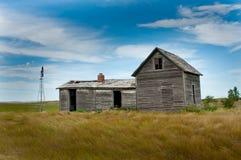 Παλαιό εγκαταλειμμένο αγροτικό σπίτι Στοκ φωτογραφία με δικαίωμα ελεύθερης χρήσης