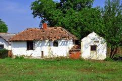 Παλαιό εγκαταλειμμένο αγροτικό σπίτι στοκ φωτογραφίες