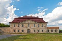 Παλαιό εγκαταλειμμένο μεγάλο σπίτι Στοκ Εικόνες