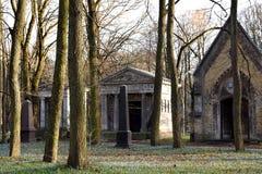Παλαιό εγκαταλειμμένο νεκροταφείο Στοκ Φωτογραφίες
