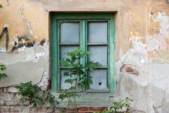 Παλαιό εγκαταλειμμένο παράθυρο Στοκ φωτογραφία με δικαίωμα ελεύθερης χρήσης