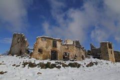 Παλαιό εγκαταλειμμένο χωριό στο χειμώνα Στοκ φωτογραφία με δικαίωμα ελεύθερης χρήσης