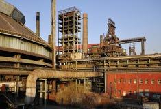 Παλαιό εργοστάσιο χάλυβα στοκ εικόνες με δικαίωμα ελεύθερης χρήσης