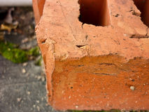 Παλαιό θρυμματιμένος τούβλο Στοκ Εικόνα