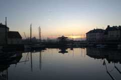 Παλαιό λιμάνι Honfleur στην ανατολή Στοκ φωτογραφίες με δικαίωμα ελεύθερης χρήσης