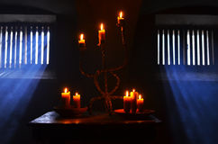 Παλαιό κάψιμο κεριών στοκ εικόνες με δικαίωμα ελεύθερης χρήσης