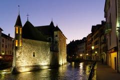 Παλαιό κέντρο του Annecy τη νύχτα Στοκ φωτογραφία με δικαίωμα ελεύθερης χρήσης