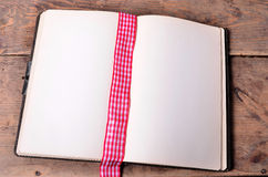 Παλαιό κενό βιβλίο Στοκ φωτογραφία με δικαίωμα ελεύθερης χρήσης