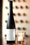 παλαιό κρασί ραφιών μπουκαλιών Στοκ Εικόνες