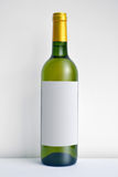 παλαιό κρασί ραφιών μπουκαλιών Στοκ φωτογραφία με δικαίωμα ελεύθερης χρήσης