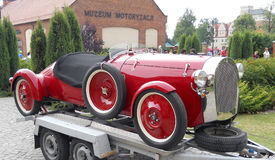 παλαιό κόκκινο αυτοκινήτων Στοκ εικόνες με δικαίωμα ελεύθερης χρήσης