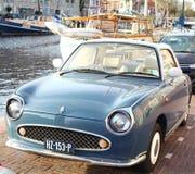 Παλαιό κλασικό αυτοκίνητο σε ένα λιμάνι Στοκ φωτογραφία με δικαίωμα ελεύθερης χρήσης