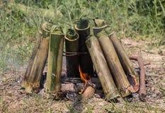 Παλαιό μαγείρεμα πυρών προσκόπων ύφους. Στοκ Φωτογραφία