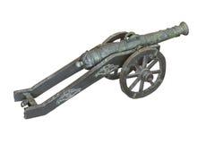 Παλαιό μικρό πυροβόλο ορείχαλκου που απομονώνεται Στοκ Φωτογραφία