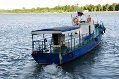 Παλαιό μικρό σκάφος Στοκ φωτογραφία με δικαίωμα ελεύθερης χρήσης