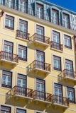 Παλαιό μπαλκόνι στον ήλιο Στοκ Εικόνες