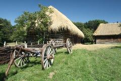 Παλαιό ξύλινο βαγόνι εμπορευμάτων σανού Στοκ εικόνα με δικαίωμα ελεύθερης χρήσης