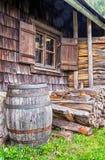 Παλαιό ξύλινο βαρέλι κρασιού Στοκ Φωτογραφίες