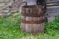 Παλαιό ξύλινο βαρέλι Στοκ εικόνα με δικαίωμα ελεύθερης χρήσης