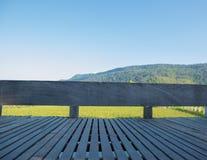 Παλαιό ξύλινο μπαλκόνι Στοκ φωτογραφία με δικαίωμα ελεύθερης χρήσης