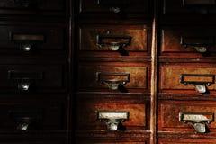Παλαιό ξύλινο ντουλάπι ή γραφείο Στοκ Φωτογραφίες