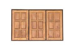 Παλαιό ξύλινο παράθυρο Tripple στο άσπρο σκυρόδεμα τοίχων για τη σύσταση backg Στοκ Εικόνες