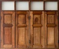 Παλαιό ξύλινο ταϊλανδικό ύφος παραθύρων Στοκ Εικόνες