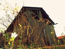 Παλαιό ξύλινο υπόστεγο Στοκ εικόνες με δικαίωμα ελεύθερης χρήσης