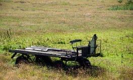 Παλαιό οξυδωμένο ρυμουλκό τρακτέρ Στοκ φωτογραφία με δικαίωμα ελεύθερης χρήσης