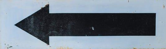 Παλαιό οδικό σημάδι με το βέλος Στοκ Εικόνες