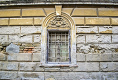 Παλαιό παράθυρο σε ένα σπίτι σε Sremski Karlovci 2 Στοκ Εικόνες