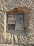 Παλαιό παράθυρο στον τοίχο αργίλου Στοκ Εικόνες
