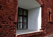 Παλαιό παράθυρο στο φρούριο του Brest Στοκ φωτογραφία με δικαίωμα ελεύθερης χρήσης