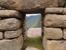 παλαιό παράθυρο τοίχων πετρών Στοκ Εικόνα