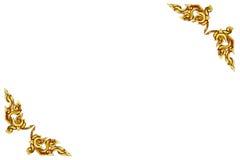Παλαιό παλαιό χρυσό πλαισίων ξύλινο σχέδιο ύφους πορτών ταϊλανδικό που απομονώνεται Στοκ φωτογραφία με δικαίωμα ελεύθερης χρήσης