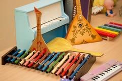 Παλαιό παλαιό balalaika οργάνων παιχνιδιών μουσικό, ακκορντέον, χ Στοκ φωτογραφία με δικαίωμα ελεύθερης χρήσης