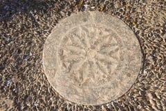 Παλαιό πεζοδρόμιο πετρών, Πύργος, Santorini, Ελλάδα στοκ εικόνες
