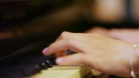 παλαιό πιάνο απόθεμα βίντεο