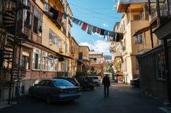 Παλαιό προαύλιο του Tbilisi ενός σπιτιού διαμερισμάτων Στοκ Εικόνα