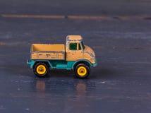 Παλαιό πρότυπο παιχνίδι του φορτηγού, κινηματογράφηση σε πρώτο πλάνο Στοκ Εικόνες