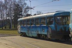 Παλαιό πρότυπο τροχιοδρομικών γραμμών με τα γκράφιτι Στοκ Εικόνα