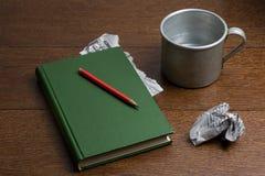 Παλαιό σημειωματάριο με τα αρχεία των μνημών Στοκ φωτογραφία με δικαίωμα ελεύθερης χρήσης