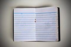 παλαιό σημειωματάριο στο καθαρό άσπρο υπόβαθρο Στοκ Εικόνα