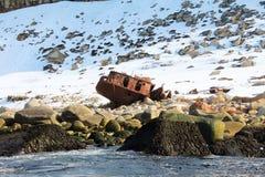 Παλαιό σκάφος στην ακτή Στοκ εικόνα με δικαίωμα ελεύθερης χρήσης