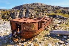 Παλαιό σκάφος στην ακτή Στοκ Φωτογραφίες