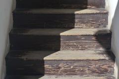 παλαιό σκαλοπάτι ξύλινο Στοκ Εικόνες